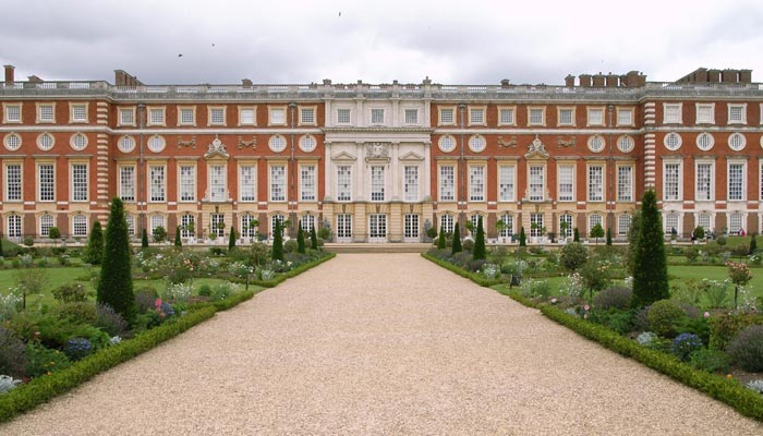 London - Rugby Tours to England - Hampton Court